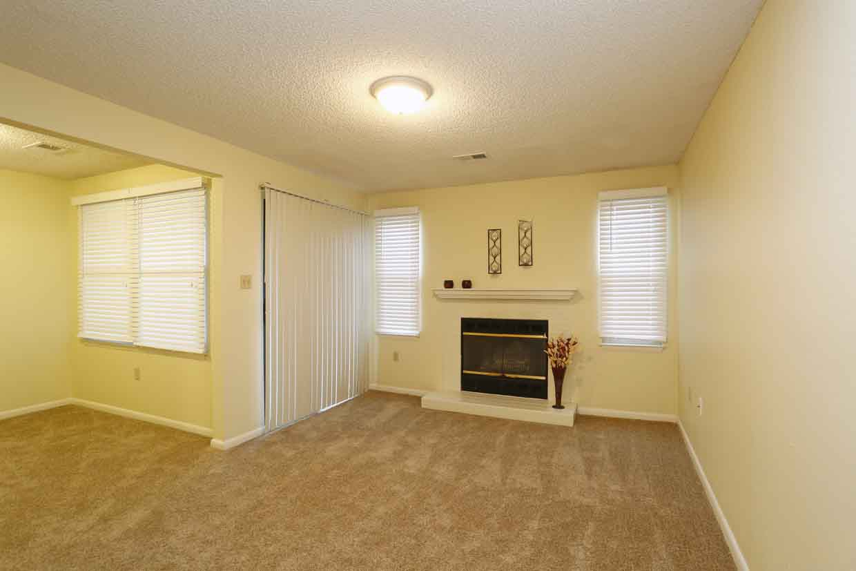 Belmont Ridge 2 Bed 2 Bath 1 002 Sf With Fireplace